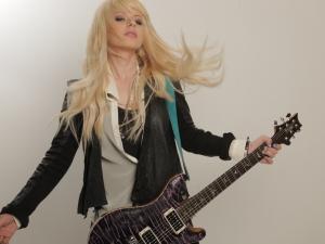Orianthi guitar