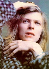 David Bowie long blonde